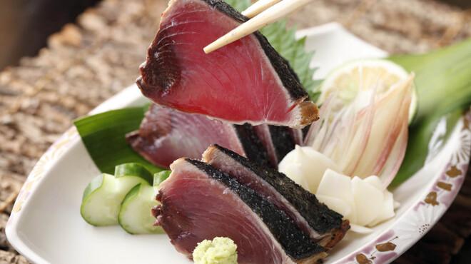 ひとすじ - 料理写真:かつおのタタキ(塩タタキ)