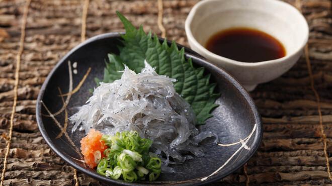 ひとすじ - 料理写真:どろめ(鰯の稚魚)