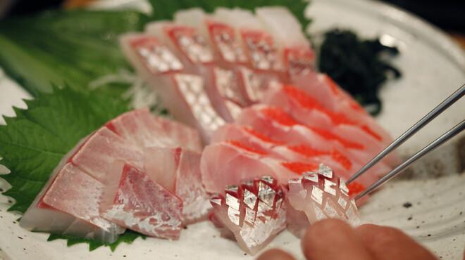 ひとすじ - 料理写真:本日のおすすめ お刺身・たたき各種