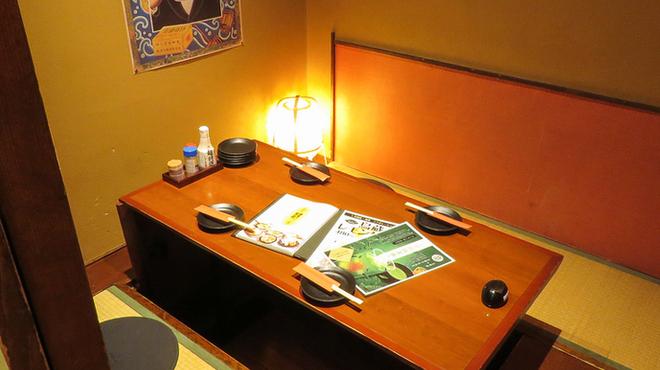 鉄板焼鳥食堂 個室で鳥蔵 - 内観写真:少人数の個室もあります。
