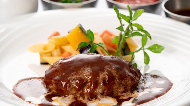 レストラン&me - 料理写真:常陸牛とローズポークのハンバーグ