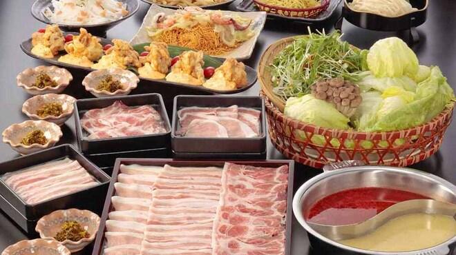 九州酒場 - 料理写真:鹿児島 もち豚しゃぶしゃぶ食べ放題コース