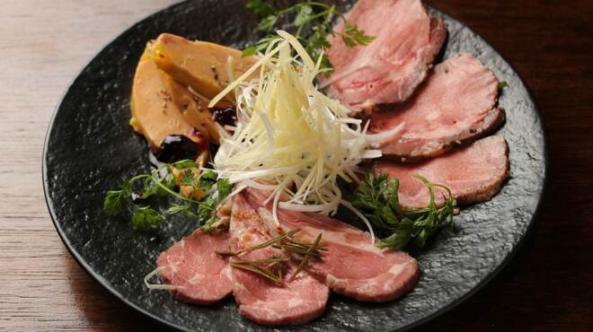 肉×ワインビュッフェ Bistro CinqCes - メイン写真: