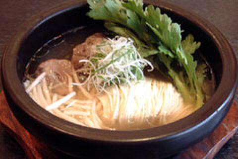 かね竹 - 料理写真:2日間かけて煮込んだコラーゲンたっぷりのテールラーメン