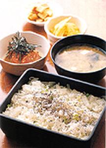 日本料理 岩戸 - 料理写真:しらす御飯