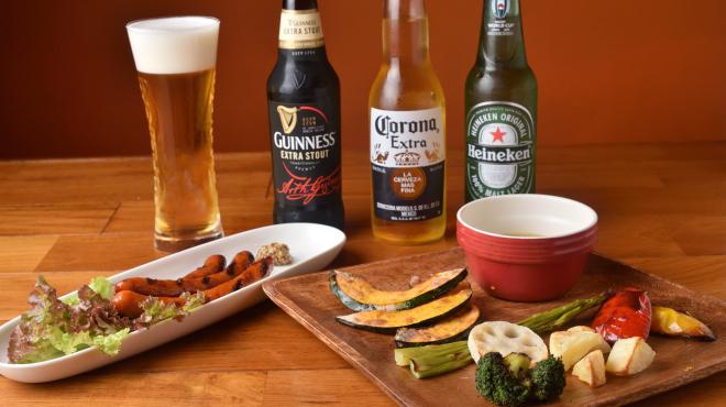 ROCKPILOTS - メイン写真:バーニャカウダとビール
