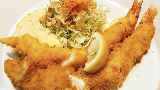 キッチンくま - 料理写真:ジャンボ海老フライ