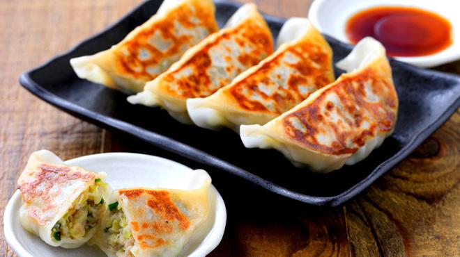 ニュートバコ - 料理写真:宇都宮直送の餃子 肉汁たっぷり