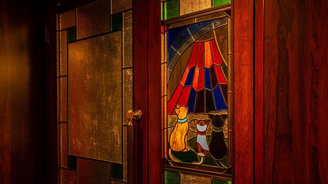 赤ふじ - メイン写真:ステンドグラス