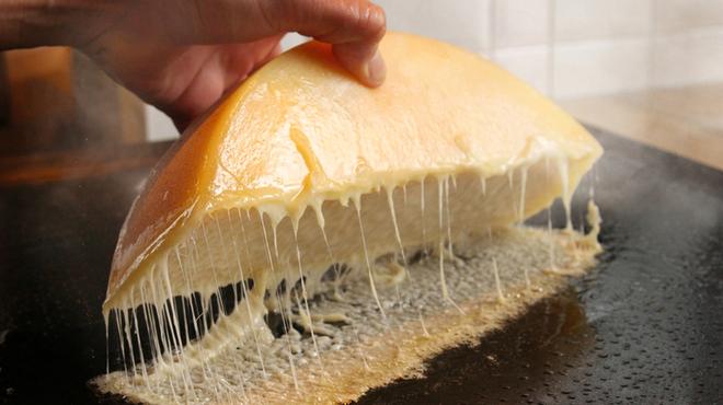 チーズと鉄板地下ビストロBooze up - メイン写真:
