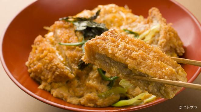 しる万 - 料理写真:滋賀の美味しいお米「キヌヒカリ」など、地元の素材も取り入れて