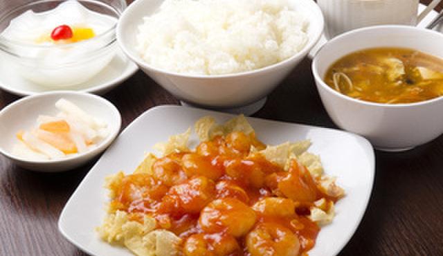 好記園 - 料理写真:日替わりランチ(芝エビのチリソース炒め)  600円
