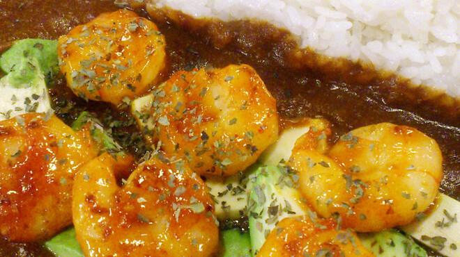 もうやんカレー - 料理写真:エビアボガドカレー エビを特製ソースでソテー