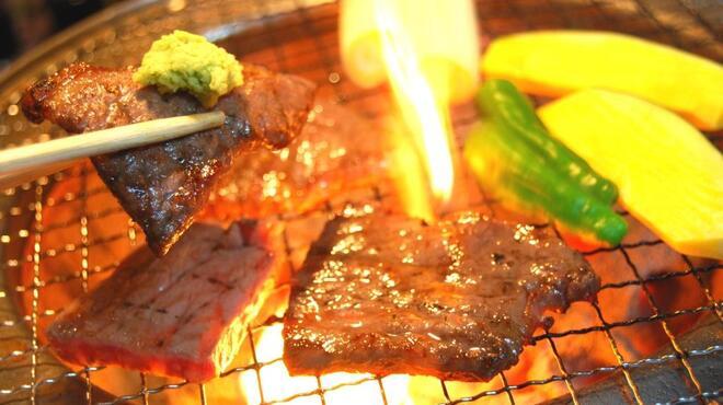 ごっつり - 料理写真:田子牛やニンニクで育った田子豚など、青森の美味しいお肉を焼肉でもしゃぶしゃぶでもOK!