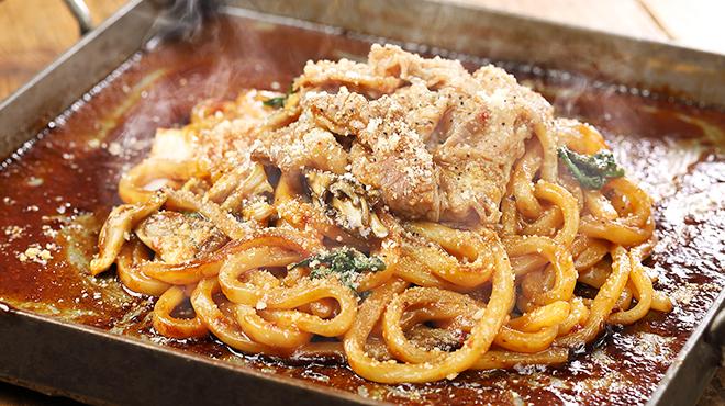 芝浦食肉 - 料理写真:〆の牛すきデミうどん
