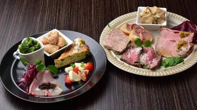羽根付き餃子とイタリアンのお店 ベンヴェヌート - メイン写真: