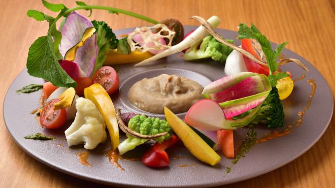 sacco - メイン写真:地野菜の菜園風~大地の皿