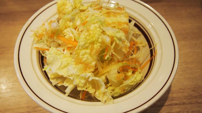 さっぽろルーカレーNAGAMIYA - 料理写真:サラダ付き(自家製ドレッシング)