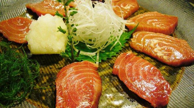 魚四季 - 料理写真:鮪の脳天刺
