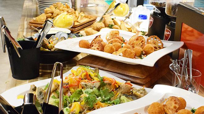 Cafe&Bar Grill MANUKA - メイン写真:
