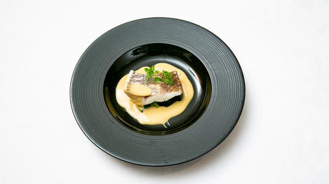 フランス料理ビストロやま - 料理写真:鯛のポワレ