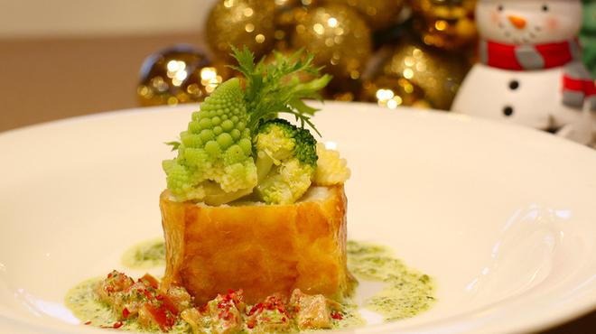 カフェ&レストラン BERG - 料理写真:真鯛のパイ包みクリスマス限定パーティプラン