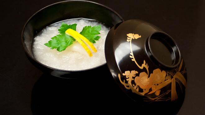 にくの匠 三芳 - 料理写真:季節の椀物