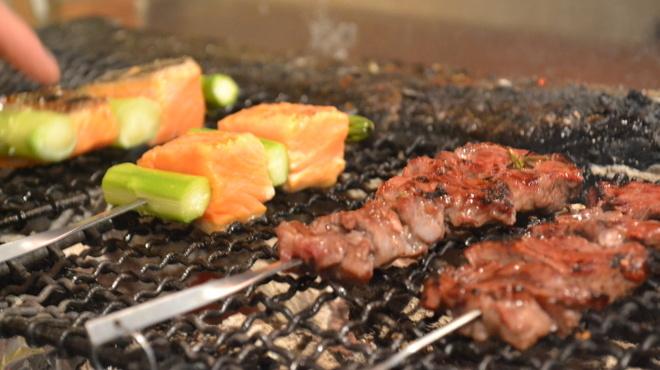 Charcoal Grill 勝男 - メイン写真: