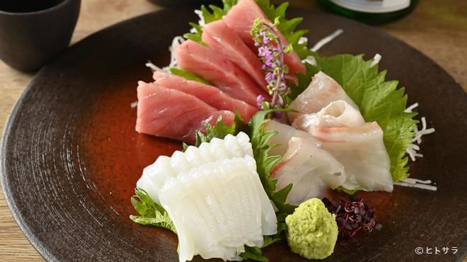 箱根暁庵 - 料理写真:【銀座三越店】ならではの一品料理『本日の刺身』