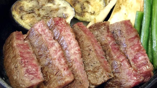 牛々亭 - 料理写真:和牛ステーキ