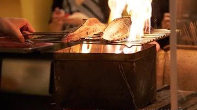 漁港直送鮮魚と四季折々の日本酒 魚と味 - メイン写真: