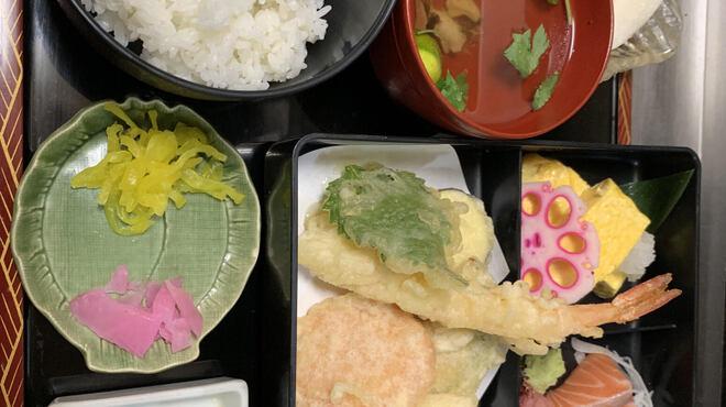 一瞬 - 料理写真:ランチ大人気お弁当