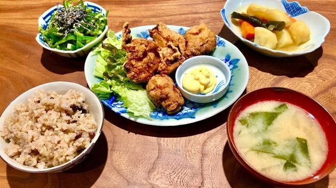 骨董茶屋 福行燈 - 料理写真:居酒屋バー肉定食