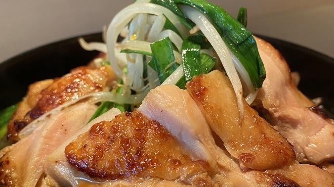 心水 - 料理写真:漬け鶏とニラの絶品炒め