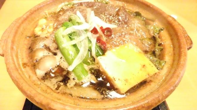 居酒屋 酒神 三代目 - 料理写真:ぐつぐつ煮えた和牛すき焼きですよ♪たまご付☆