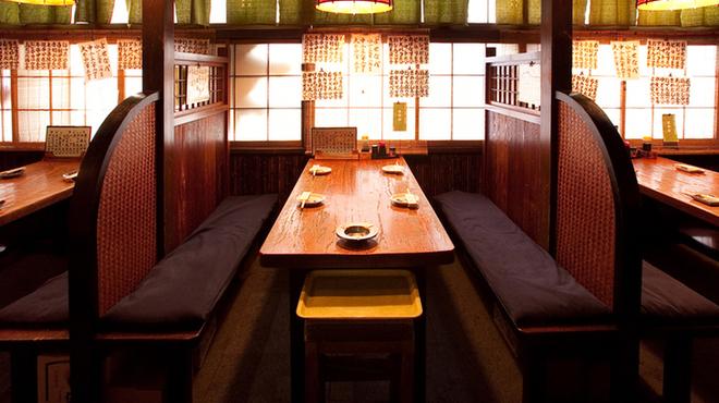 たこ安 - 料理写真:少人数ならテーブルBOX席も完備しております♪人気の窓際席は早い者勝ちです!