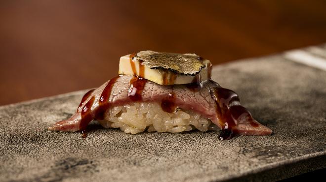 KINTAN 肉寿司