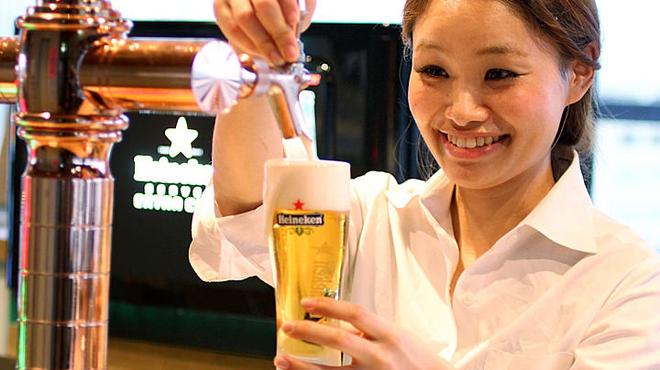 Sunny - ドリンク写真:ハイネケンは、日本のビールと比べてスッキリと飲みやすい!