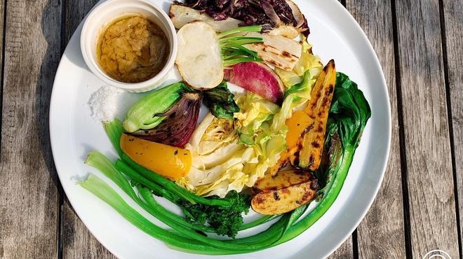 表参道バンブー - 料理写真:薪窯で焼いた有機野菜