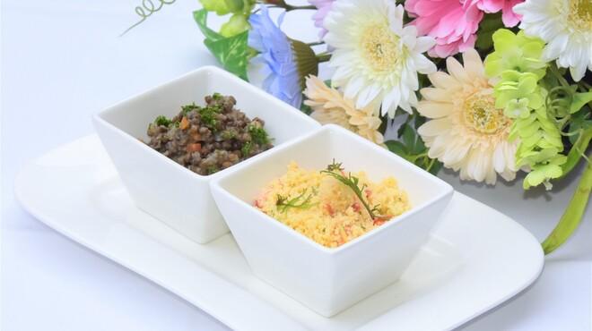 Ripaille - 料理写真:タブーレとレンズ豆のサラダ