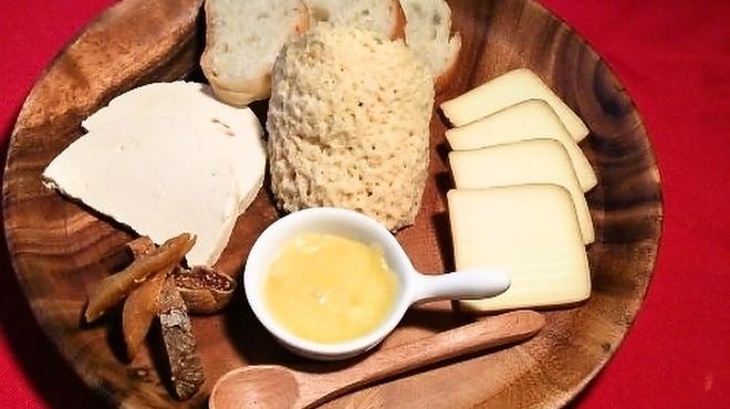 水戸チーズバル - メイン写真: