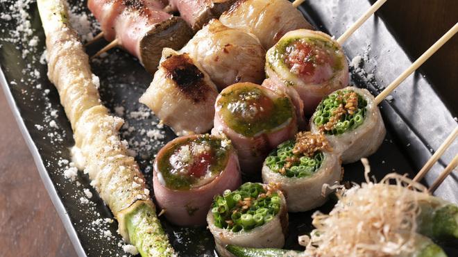 焼き鳥ワイン酒場 TORI−BUDOU - 料理写真:自慢の創作串
