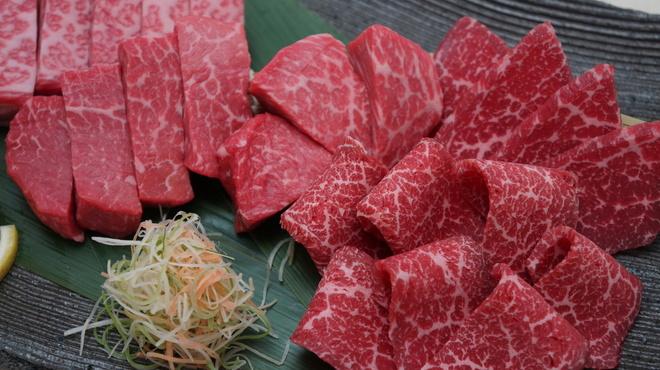 新羅会館 家族亭 - 料理写真:焼肉セット「赤身肉セット 400g」
