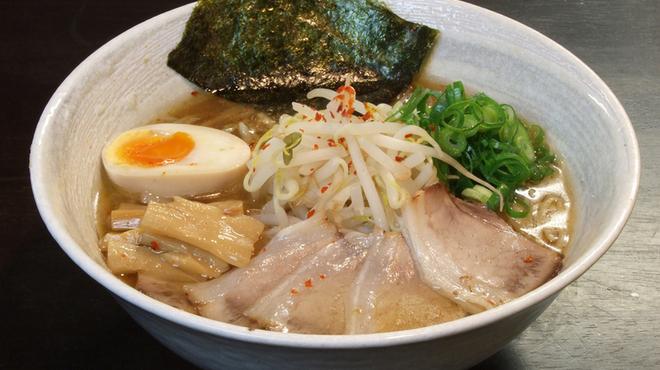 四条にぼ次朗 - 料理写真:懐かしの昭和の味中華そば(細麺)730円