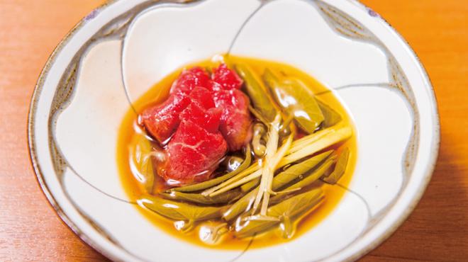 桜なべ 中江 - 料理写真:夏らしく三杯酢でサッパリと「馬刺しと生じゅんさい三杯酢和え」