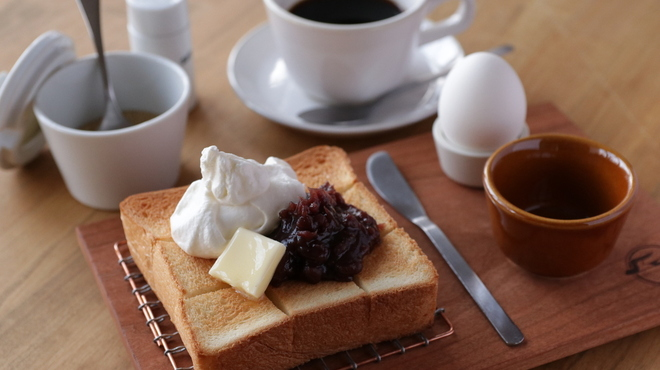 天然酵母の食パン専門店 つばめパン &Milk - メイン写真: