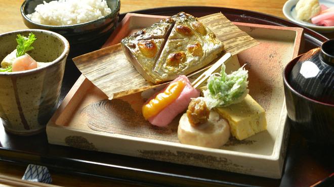 神楽坂おいしんぼ はなれ - 料理写真:三陸ブランド金華鯖の昼御膳
