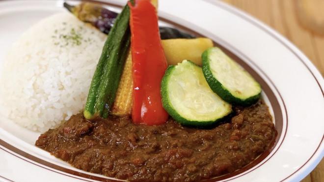 ワインノルイスケ - 料理写真:季節野菜のトマトキーマカレー