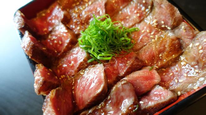 梅田肉料理 きゅうろく - メイン写真: