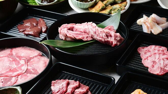 知立 焼肉食べ放題 エイトカルビ - メイン写真:
